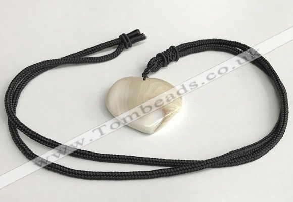 NGP5635 Shell flat teardrop pendant with nylon cord necklace